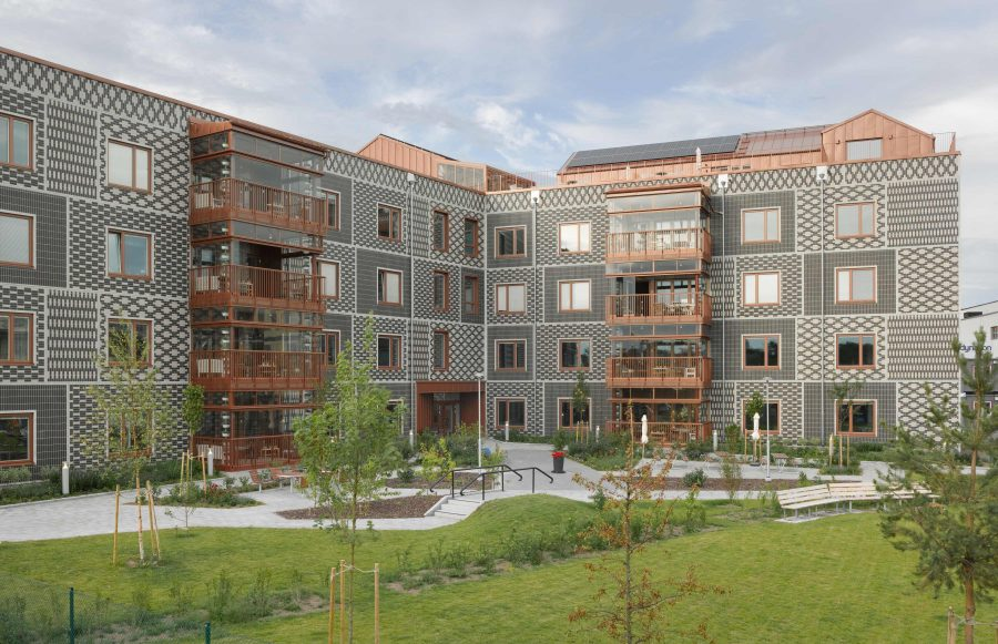 KjellanderSjoberg Skarvetaldreboende courtyard 3600x2324px